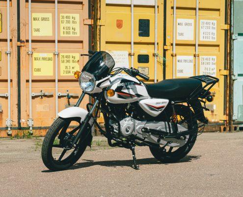 motorcycle bajaj 150 ug white (4)