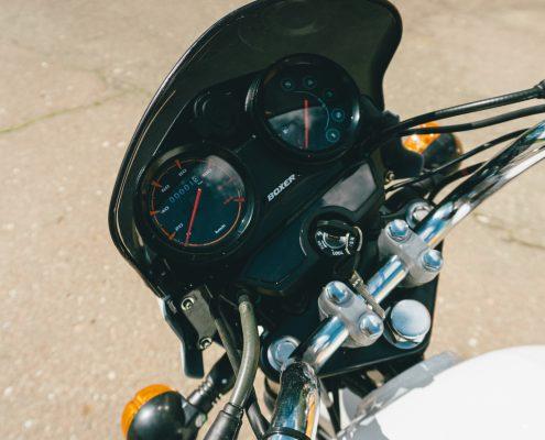 motorcycle bajaj 150 ug white (6)