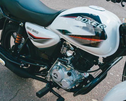 motorcycle bajaj 150 ug white (9)